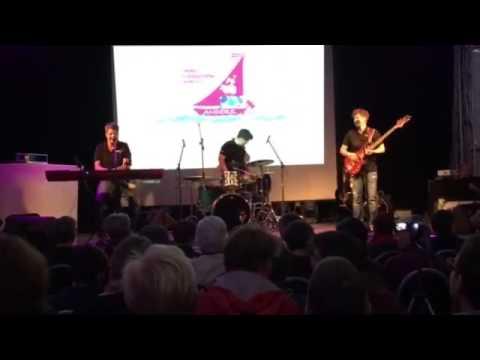 EM-Dur - No hope no Trust + Zugabe Coldplay Sky full of Stars LIVE LFT Bremen