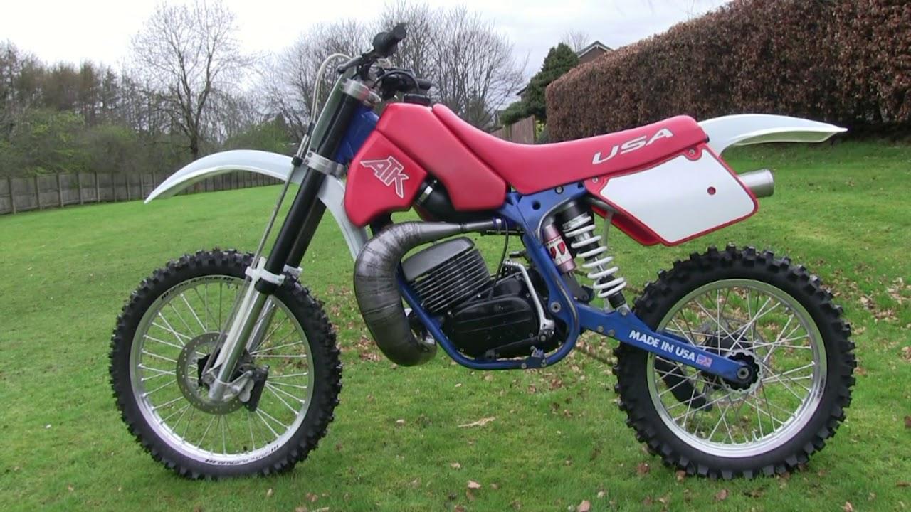 Classic Dirt Bikes