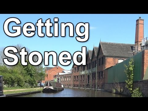 94. Taking my canal narrowboat through Stone in Staffordshire (RE-UPLOADED)