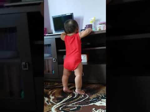 Cara Belajar Anak Usia 8 Bulan