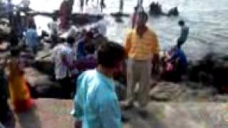 Video of gathering beside Haji Ali Dargah, Mumbai