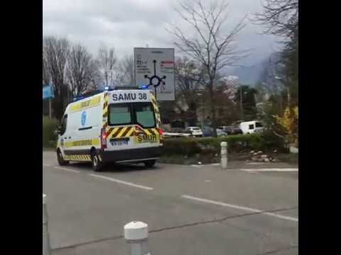 SMUR/SAMU of Grenoble responding to a patient having cardiovascular arrest
