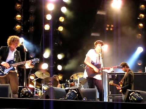 The Kooks Stormy Weather Sofa Song Pinkpop June 1 2009 15 Youtube