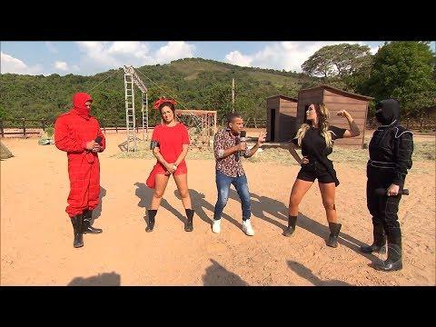 Tati Dias e Mendigata participam de prova para ajudar meninas thumbnail