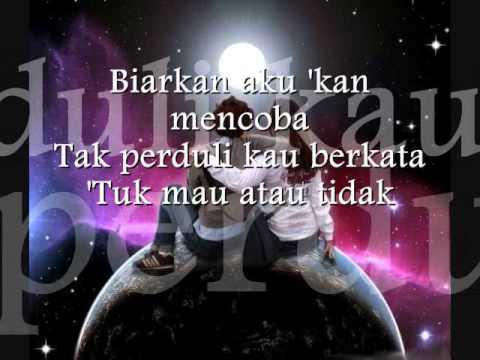 Biarkan Jatuh cinta - ST12 (Lyric)