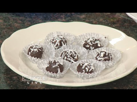 In The Bender Kitchen: Haddam Killingworth High School shows us how to make raw cookie dough bites