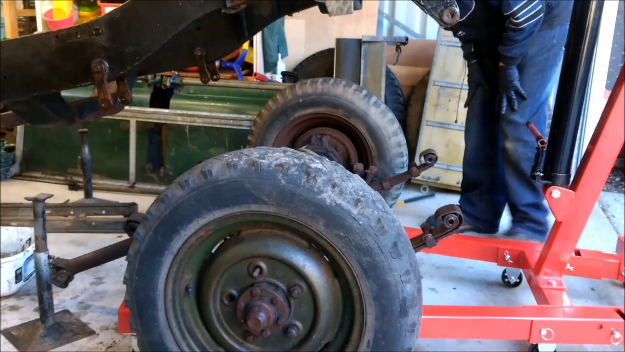 Land Rover Series 2a 88 - Part 2  Stripping Chassis