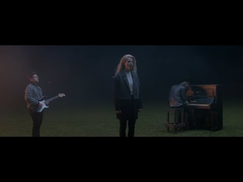 London Grammar - Nightcall [Official Video]