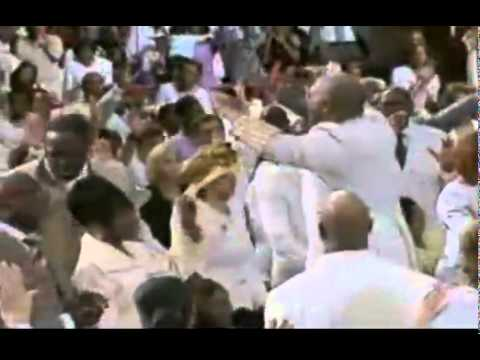 Pastor Marvin Winans Laying Hands @ Perfecting Church Holy Convocation Part 4