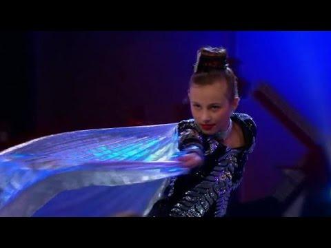 Danai slaat haar vleugels uit op oxboard - HOLLAND'S GOT TALENT