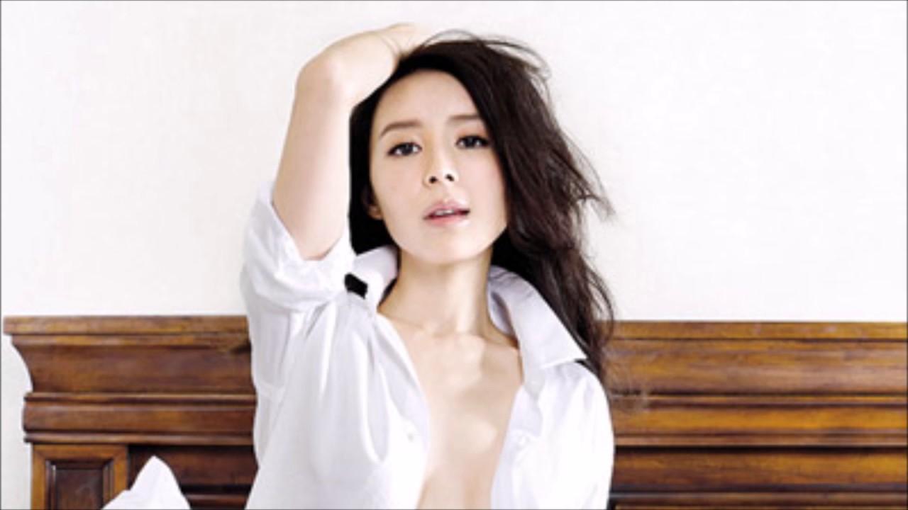 sexy women fake tits