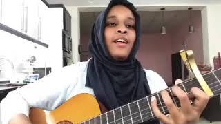 فتاه تغني اغنيه مالو القمر بصوت اكثر من رائع 