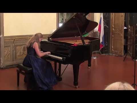 """24.10.2010 Sofia Menshikova in Concert of V. Spivakov ICF, """"Russian house"""", Rome, Italy"""
