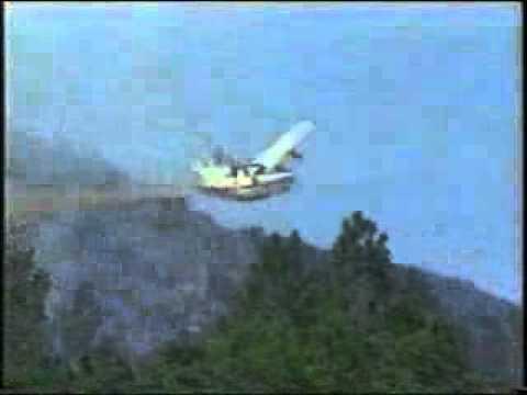 avion canadair teint un accident sur une route a voir funnycat tv. Black Bedroom Furniture Sets. Home Design Ideas