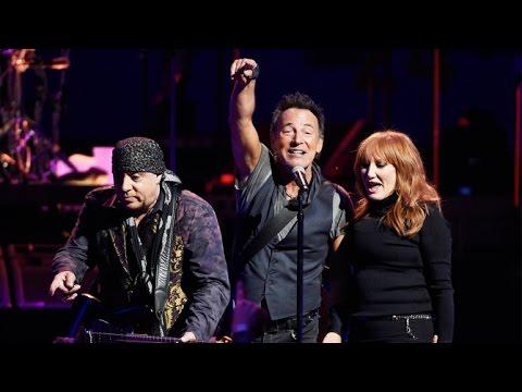 """Hungry Heart"" (MULTI-CAM) - Bruce Springsteen  LA 3/19/2016"
