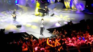 Hallelujah - Bobby Andonov Perth Telethon 2010