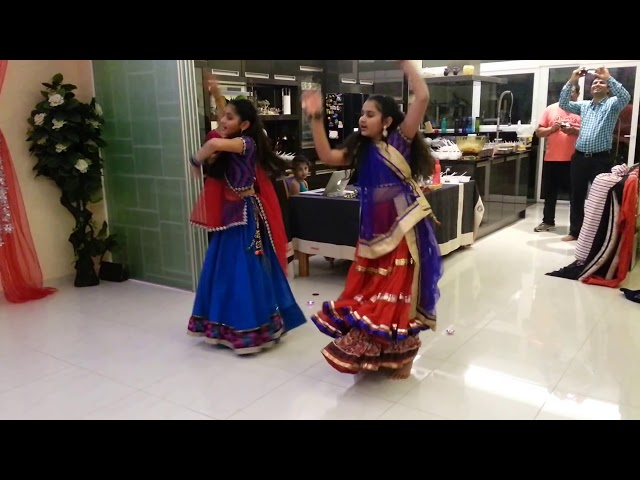Nagada Sang Dhol By Diya Patel & Mansi Patel Travel Video