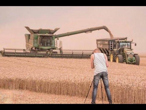 Big Moisson / Harvest 2017 (100ha/J) 2x JOHN DEERE   S680i et son transbordeur PERARD black 25m3