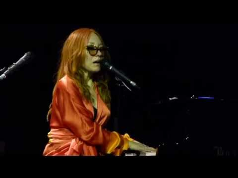 Tori Amos - Leather (15.06.2014, Crocus City Hall, Moscow, Russia)