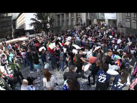 PILLOW FIGHT Vancouver 2011 FLASH MOB (long Version)