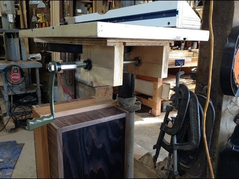 Woodworking : DIY Drill Press Table Lift W/Mitered Gears // How-To