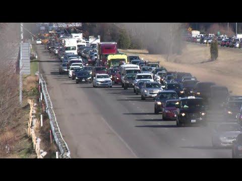 Video Now: Pothole causes severe delays on I-195 West – WPRI 12