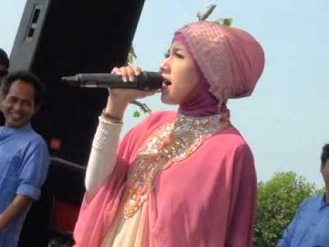Monata armen   jilbab putih