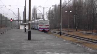 Электропоезд ЭР9Т 731 рейсом 902 Семиходы Славутич