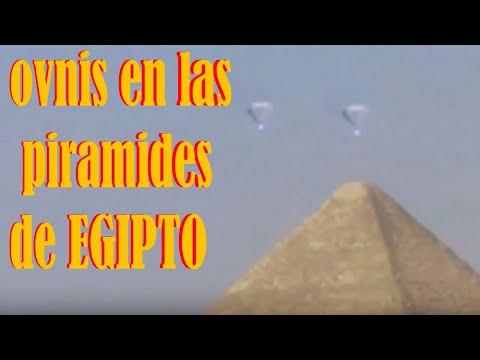Los OVNIS invaden las piramides de Egipto