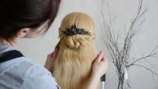 видео Прически с гребнем на средние, длинные волосы