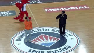 Reynmen feat. Eypio – Toz Duman ( Bahçeşehir Koleji Fenerbahçe Maçı Devre Arası Konseri ) Video