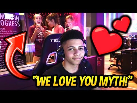 MYTH GET'S SOME LOVE BY FANGIRLS AT THE ESPORTS ARENA IN LAS VEGAS! Fortnite SAVAGE & FUNNY Moments