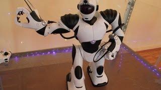 Видеорепортаж с выставки «Техно роботы»
