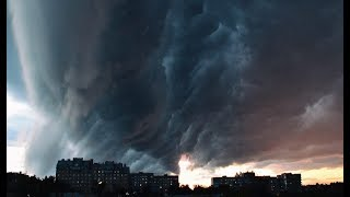 Смотреть видео Дождь и ураган в Москве 2017 год онлайн