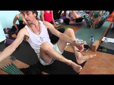 Asana Kitchen: How do I work with a knee injury in my Yoga practice? with David Garrigues