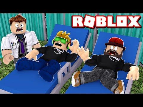 WE ARE BREAKING OUR BONES TO MAKE MONEY in ROBLOX BROKEN BONES 4