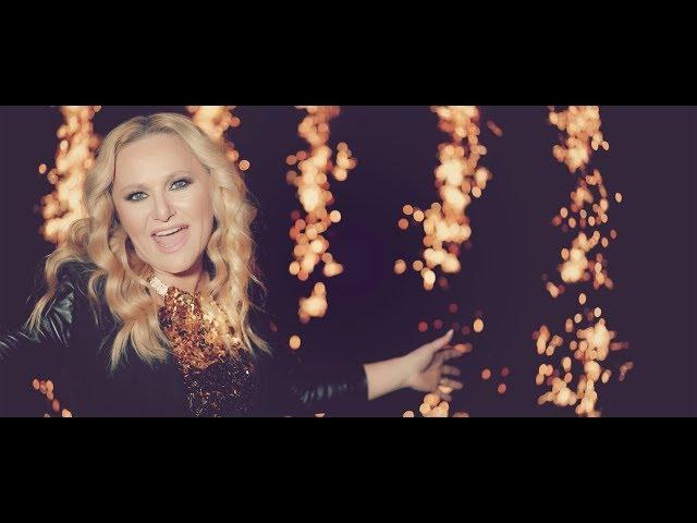 Nuša Derenda  - Naj mi dež napolni dlan (official video)