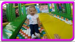 Cel mai Mare Loc de Joaca pentru Copii | Anabella se distreaza la Panda Kids