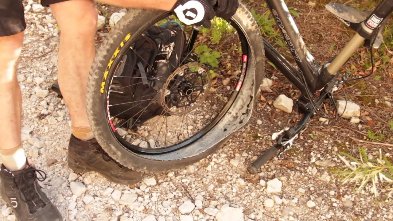 How to repair tubeless cycle tyres