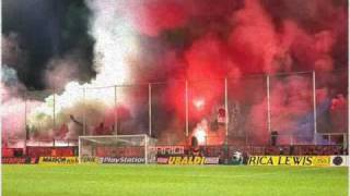 ultras-smoke bombs