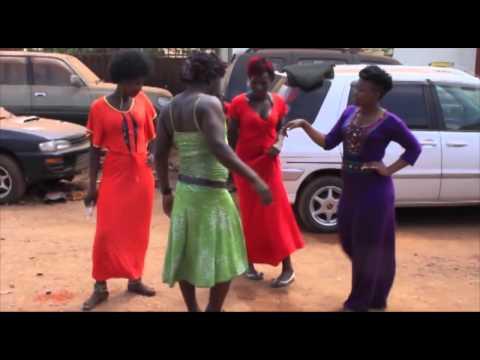King kong mc dancing Kyana Gwe by Skata   part two