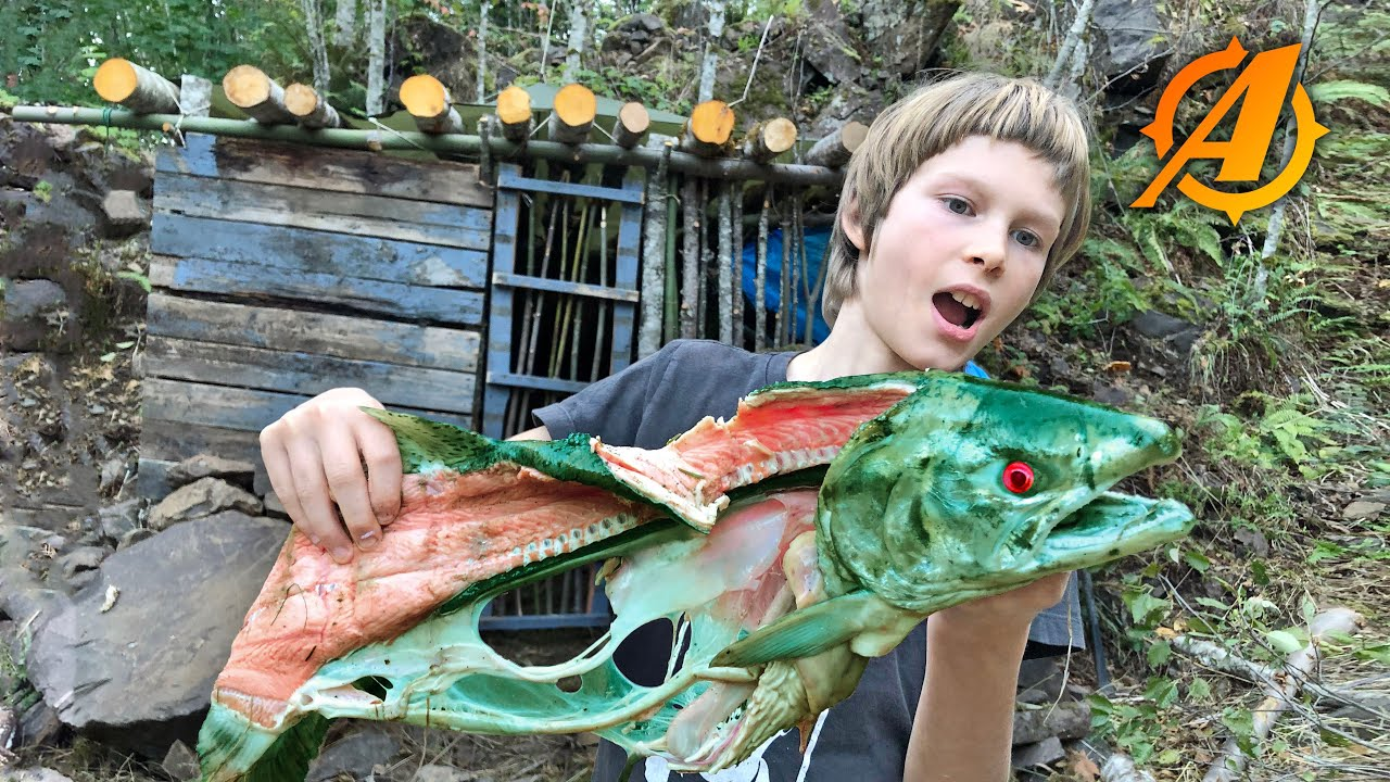 """Catch and Cook Zombie Fish + Overnight Camping at Bushcraft """"Rock House"""""""