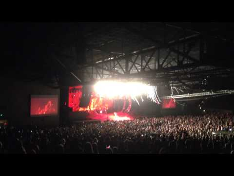 Huey Cam: KISS - Gene Simmons Bass Solo (Live At The Concord Pavilion) 07-02-14