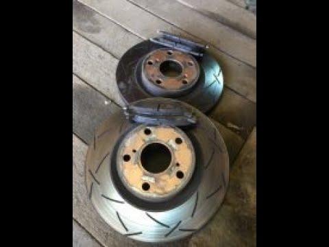 Замена передних тормозных дисков на  Toyota Camry