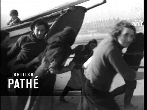 Fisherfolk Of Newbiggin Aka Fishermen Issue Title Is Calling All Stars (1939)