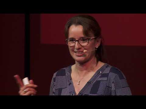 Réinsertion professionnelle: Quand l'éclairage change !  | Lise Delaloye | TEDxMartigny