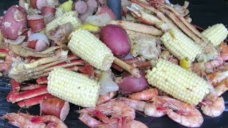 Old Bay Seafood Boil - The Wolfe Pit