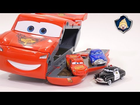 Thumbnail: Disney Cars 3 toys - Lightning McQueen Transformation Speedway Race course Playset for Kids