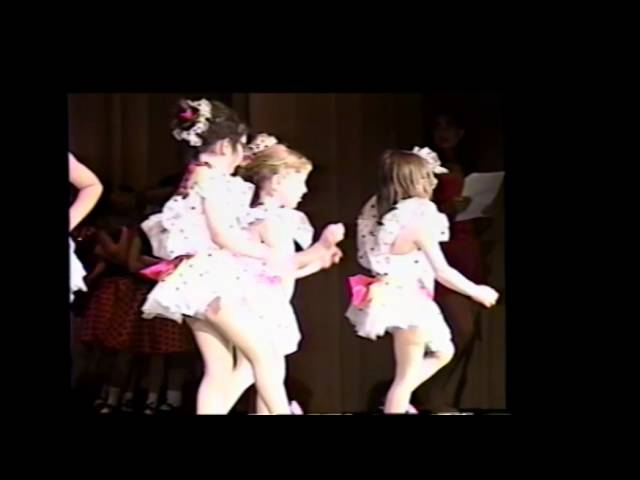 Kylie Hewitt early singing and dancing Age 5 and 6