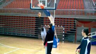 Easy lil dunk........I been doin this........Its only 2points..........LOL